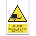 PELIGRO RIESGO DE CAIDA DE CARGA
